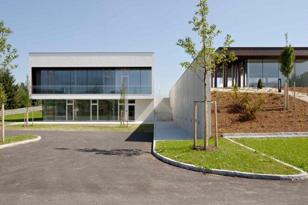 Pesendorfer Bau - Amtsgebäude Redlham